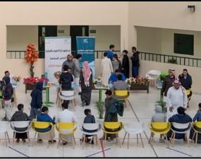 """كلية الطب تقيم """"يوم الصحة التوعوي"""" لمدارس دار العلوم المتوسطة"""