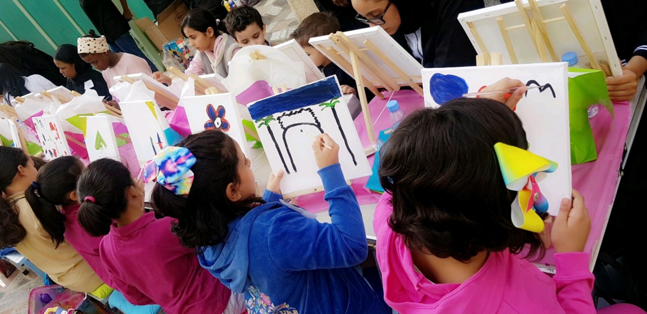 """""""إدارة الأعمال"""" تنظم برنامجًا ترفيهيًا لأطفال جمعية إنسان"""