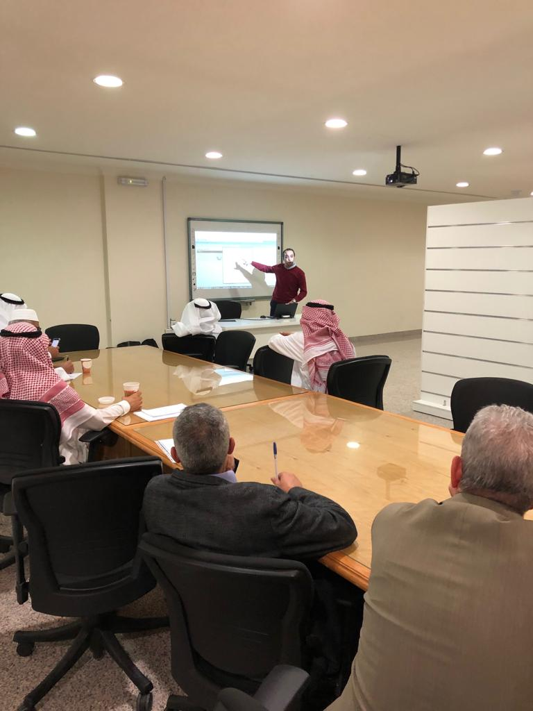 Business Administration Organizes a Workshop for Cengage Learning Management System