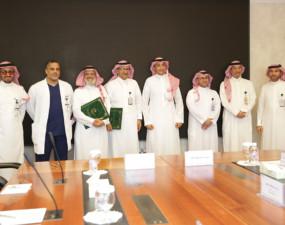 """طب أسنان """"دار العلوم"""" توقع اتفاقية تعاون مع مدينة الملك فهد الطبية."""